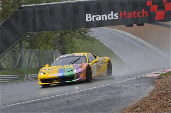 GT_Cup_2013_Brands_Hatch_01