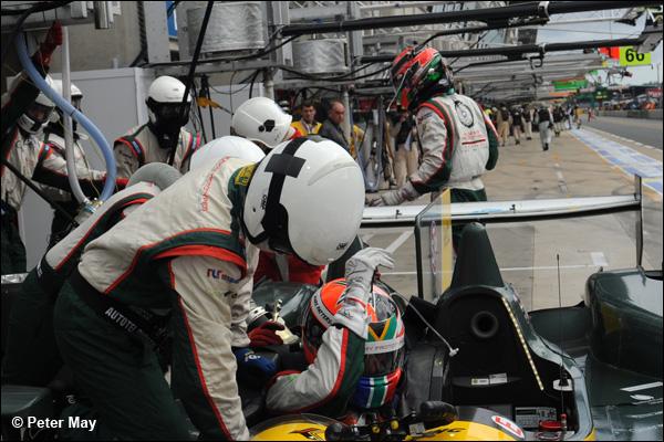 Le Mans 2013 Hour 4 01