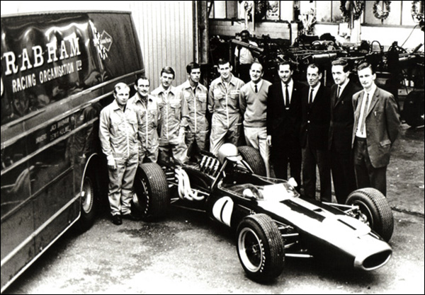 Brabham-F1-Winning-Team-1966-1967
