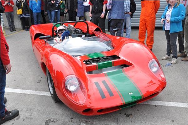 John Surtees and prototype Lola T70 CanAm Spyder   (6)