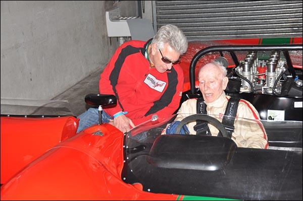 John Surtees and prototype Lola T70 CanAm Spyder   (7)