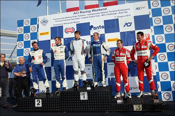 Monza_1_GT_podium