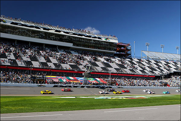 daytona-race-start-gt