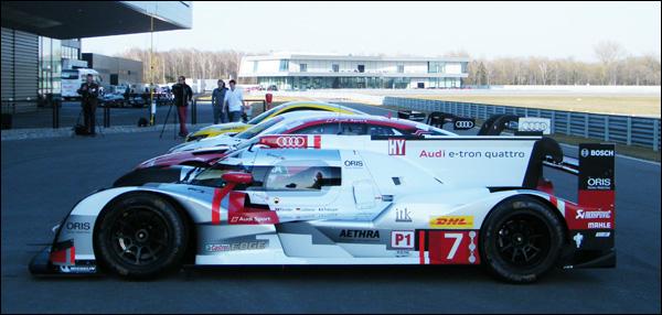 2015-Audi-R18-e-tron-Quattro-03