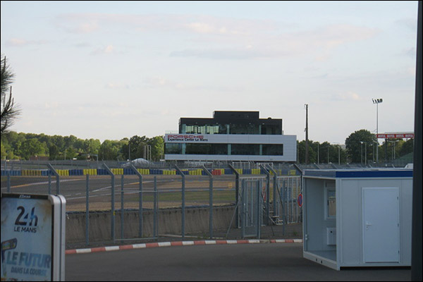 Le-Mans-Paddock-07
