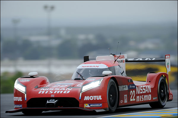 22 Nissan Motorsports