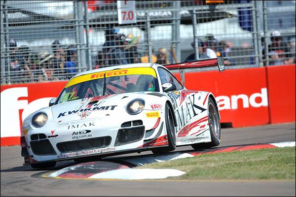 Australian-GT-Townsville-race-1-porsche