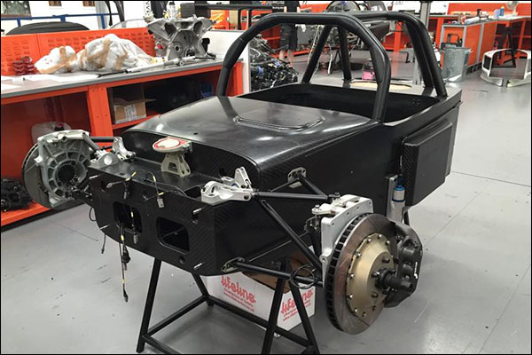 United-Autosport-Ginetta-In-Build-02
