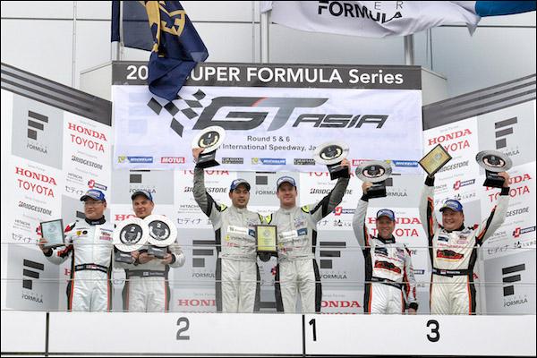 GT-Asia_Fuji_R1_podium