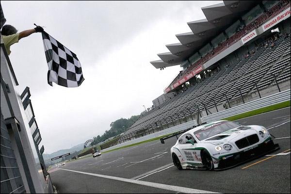 GT-Asia_Fuji_R2_Sawa_wins