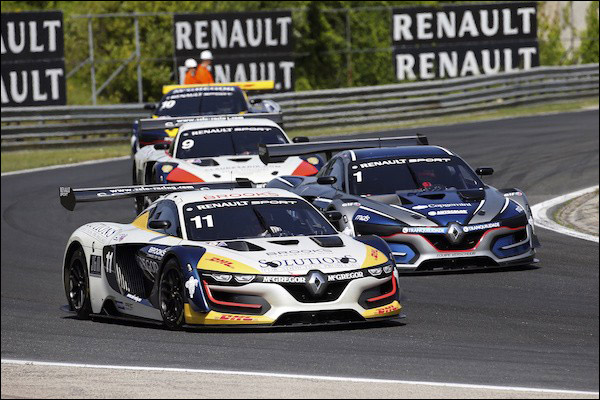 Renault R.S. 01 & Ginetta P3 For Gulf 12 Hours, Istanbul ...