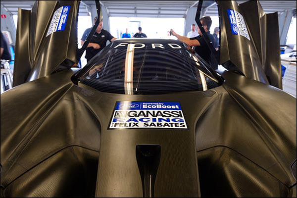 Ford-GT-Testing-At-Daytona-01