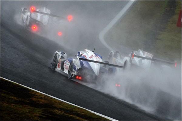 WEC_Fuji_Race_Porsche-Toyota