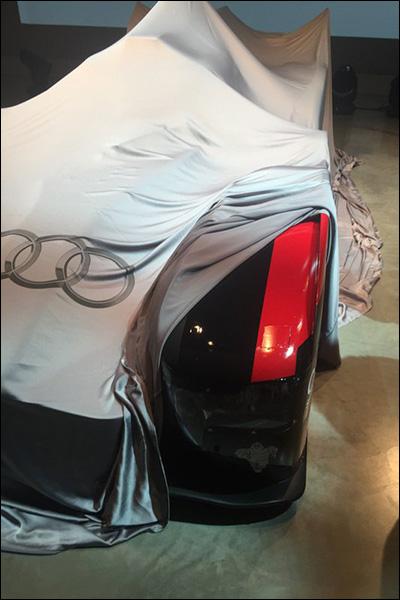 Audi-2016-R18-e-tron-quattro-reveal-2