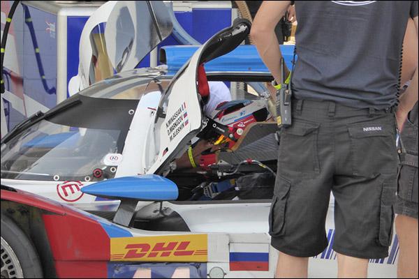 BR01-Dunlop-Tyre-Test-Bahrain-01