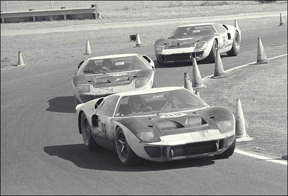 Winning Ford Mark II (#98) leads two other Ford Mark II cars (#95 and #96)