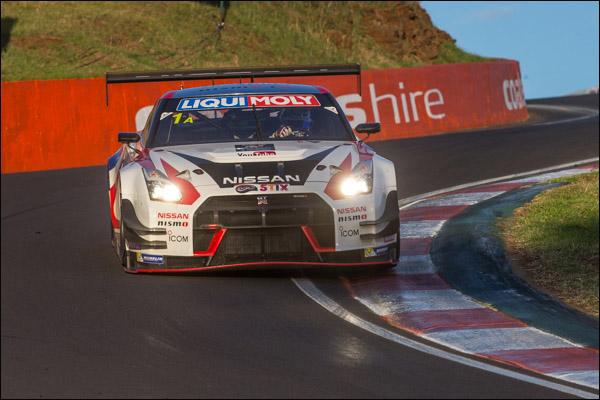 1-Nissan-GTR-Bathurst-Race-1