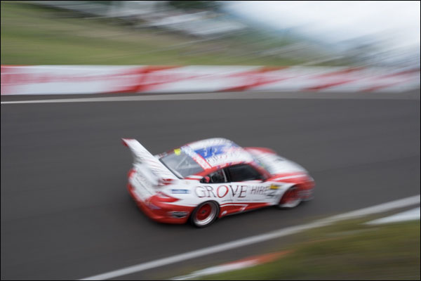 4-Grove-Motorsport-Bathurst-Race-1