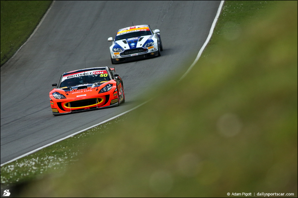 50-ginetta-british-gt-brands-hatch