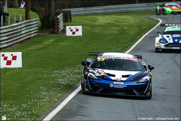 59-mclaren-british-gt-brands-hatch