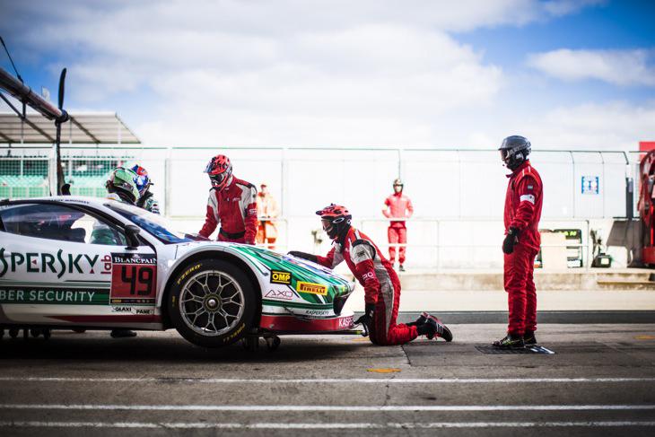Alexander-Moiseev-Kaspersky-Ferrari-pits