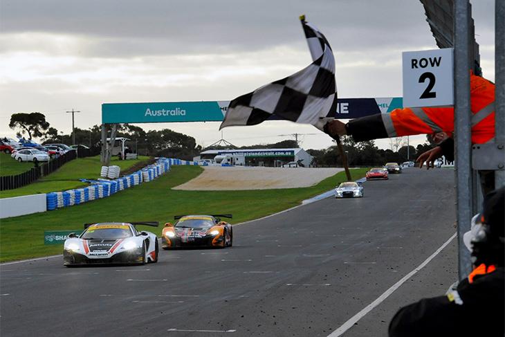 Australian-GT-Phillip-Island-Endurance-2016-Finish-McLaren
