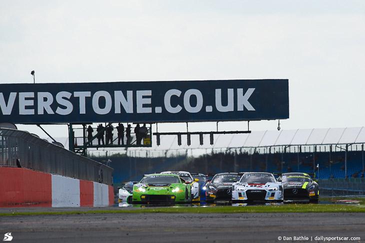 Race-Start-BES-Silverstone-2016-Race