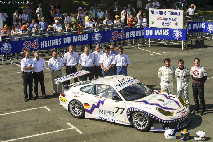 freisinger-porsche-le-mans-24-team-2001