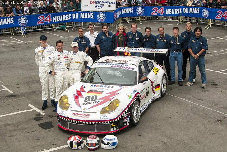 freisinger-porsche-le-mans-24-team-2002