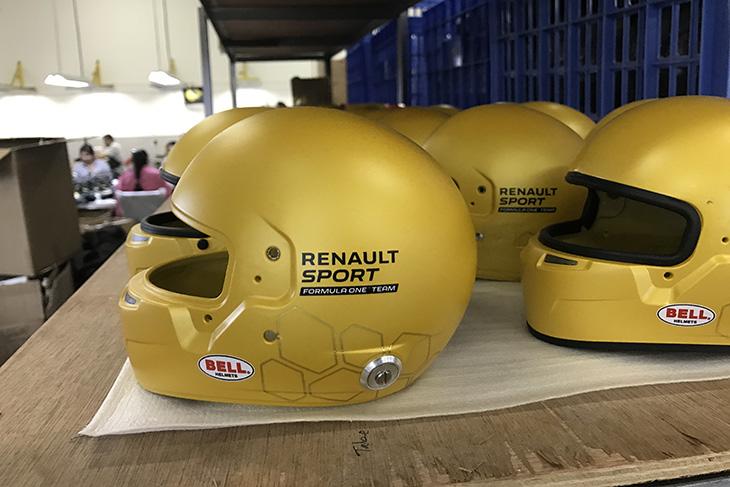 bell-helmets-renault-f1-2016