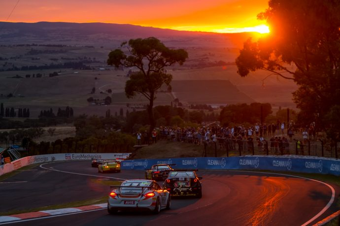 ah-bathurst-12hr-2017-race-04