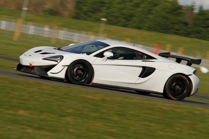 Track-Club-McLaren-570S-GT4-Snetterton-test-2