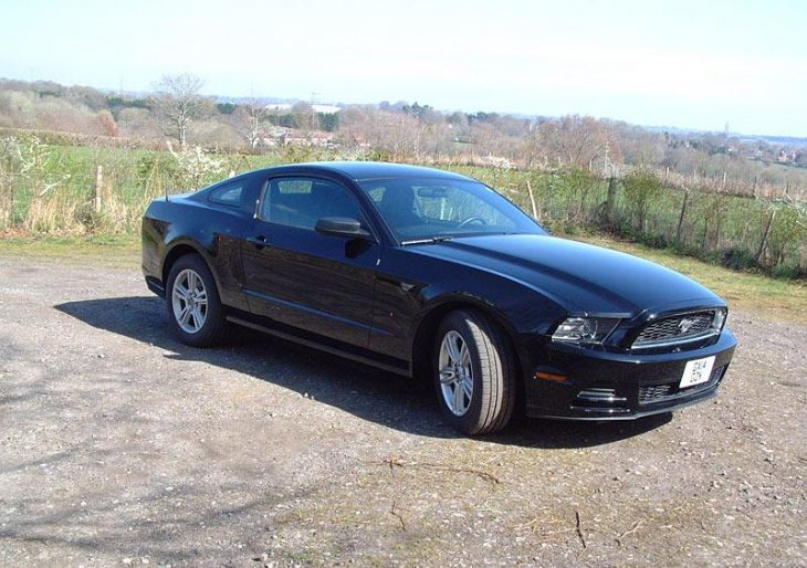 ford-mustang-S2833945-2