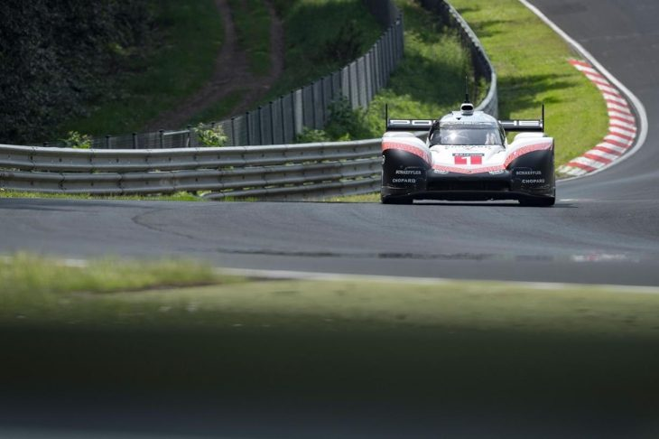 Video Onboard Of Timo Bernhard S Record Breaking Nordschleife Lap