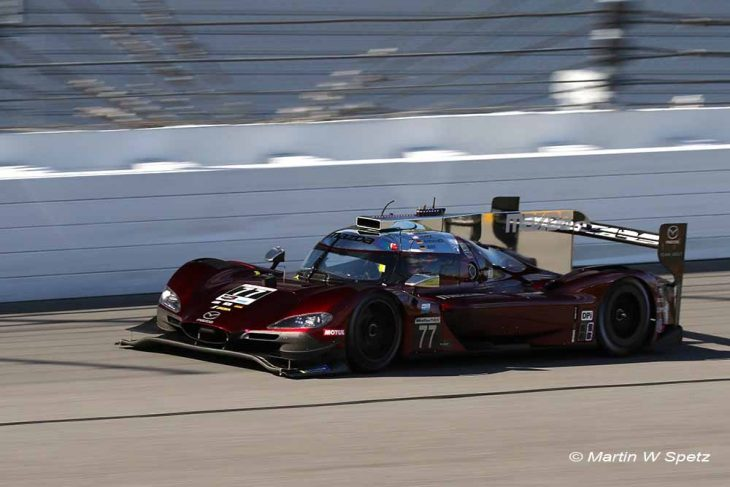 Rolex 24 at Daytona resumes after rain delay