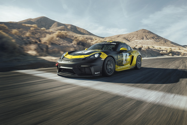 Porsche 718 Cayman GT4 Clubsport packs 425 HP and a roll cage