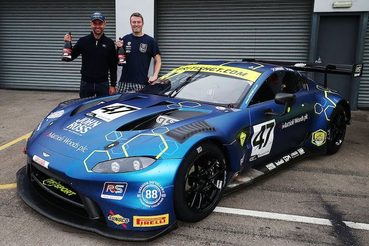 Aston Martin Celebrate Unprecedented Domestic Racing Success Dailysportscar Com